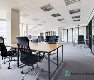 Bureau fermé 48 m² 12 postes Location bureau Rue Royale Saint-Cloud 92210